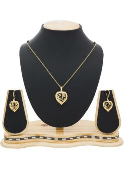 Elegant Golden Color Pendant Set With Earrings