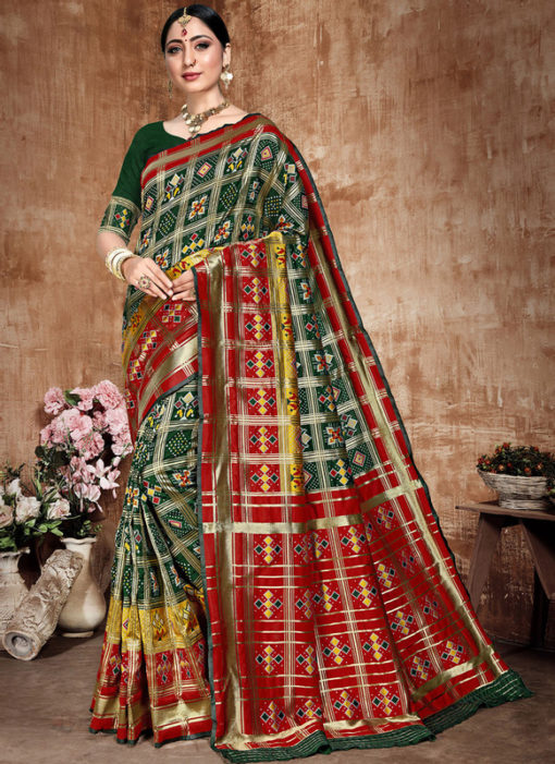 Lovely Green And Red Banarasi Silk Zari Weaving Traditional Saree
